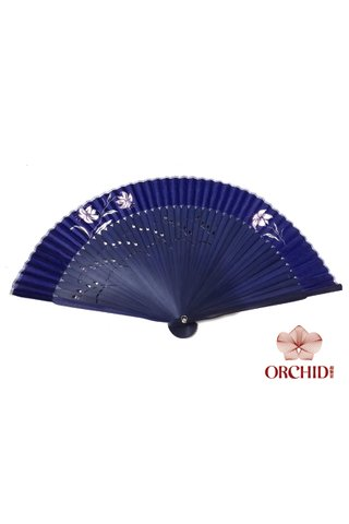 8449711 | Chinese Hand Fan Made of Tortoise-shell Bamboo And Silk