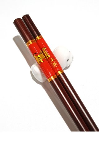Chinese 12 Zodiac Dog Design Wooden Chopsticks With Porcelain Holder Customized Personal Chopsticks Gift Set