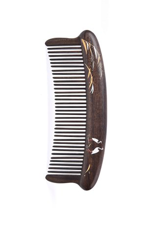 8100723| Tan's Chacate Preto Wooden Comb With Handpainted Crane Design